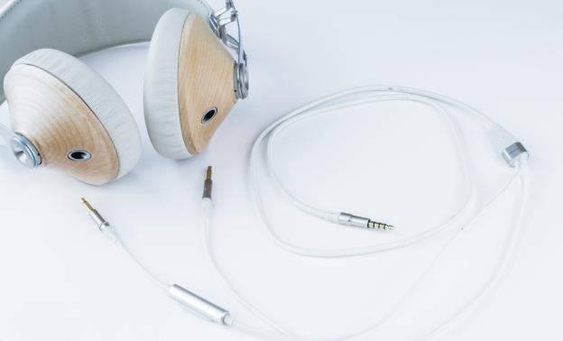 Meze 99 Classic Headphones Review – Yes I Wood!
